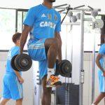 """Importante em reta final do Sport, Marquinhos vê Luxa de """"birra"""" com ele"""