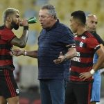 Análise: primeira derrota de um bagunçado Flamengo escancara necessidade de Abel definir time