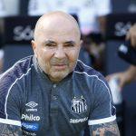 Na mira do Palmeiras, Sampaoli decide hoje se continua no Santos