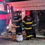 Incêndio deixa uma pessoa ferida no bairro Lagoa Redonda, em Vitória